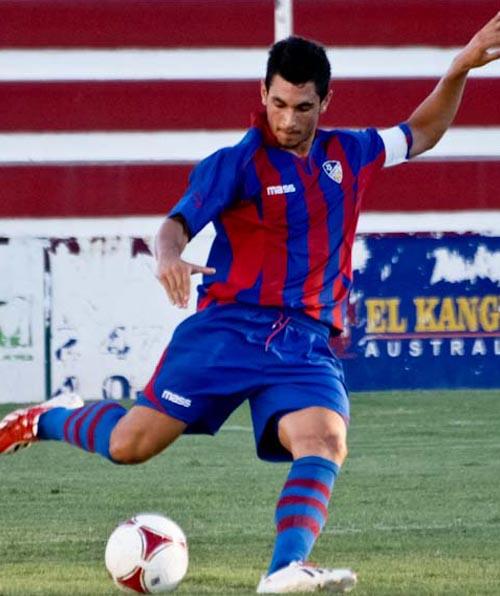 jose-luis-valiente-jugador-futbol-carrasco-ortega-football-agency-alzira-ud